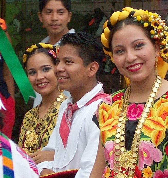 mexicican lady children in costume